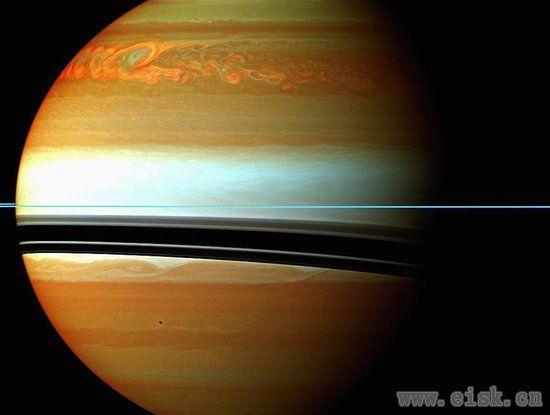 不看NASA的这些照片,你真的会错过土星的神秘之美!