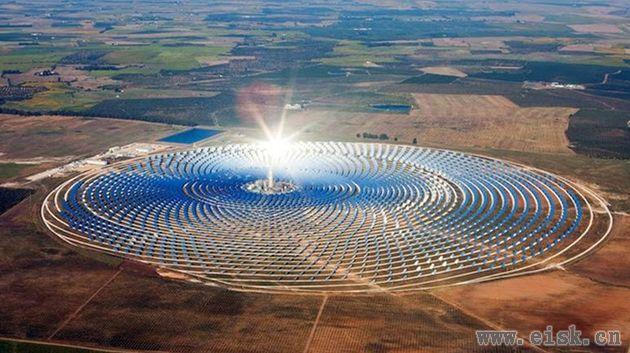 世界最大太阳能发电场启动!