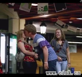 大屌哥教你向陌生女子索吻 分分钟跪了!