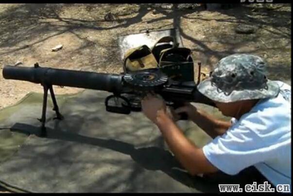 第一次世界大战英国刘易斯轻机枪射击视频