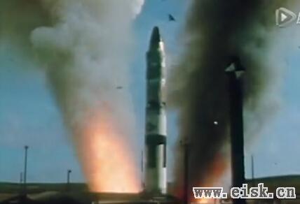 实地拍摄:核导弹是如何发射的