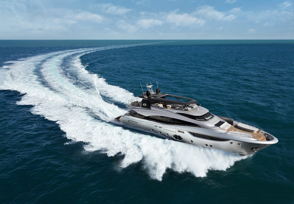 蒙地卡罗MCY 105超艇G:甲板空间最大化的典范之作