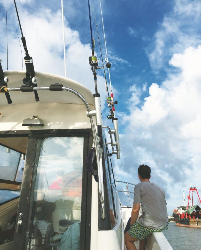 珠海庙湾岛海域,乘船悠闲海钓